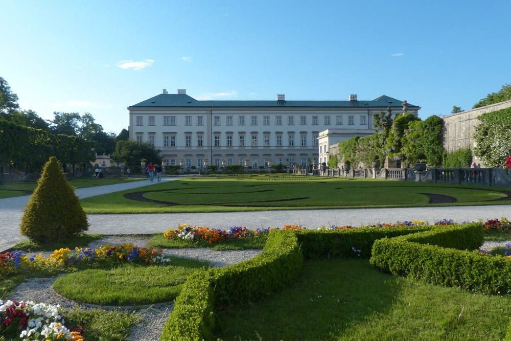 Im Garten vom Schloss Mirabell, Foto: Hans Braxmeier, Pixabay