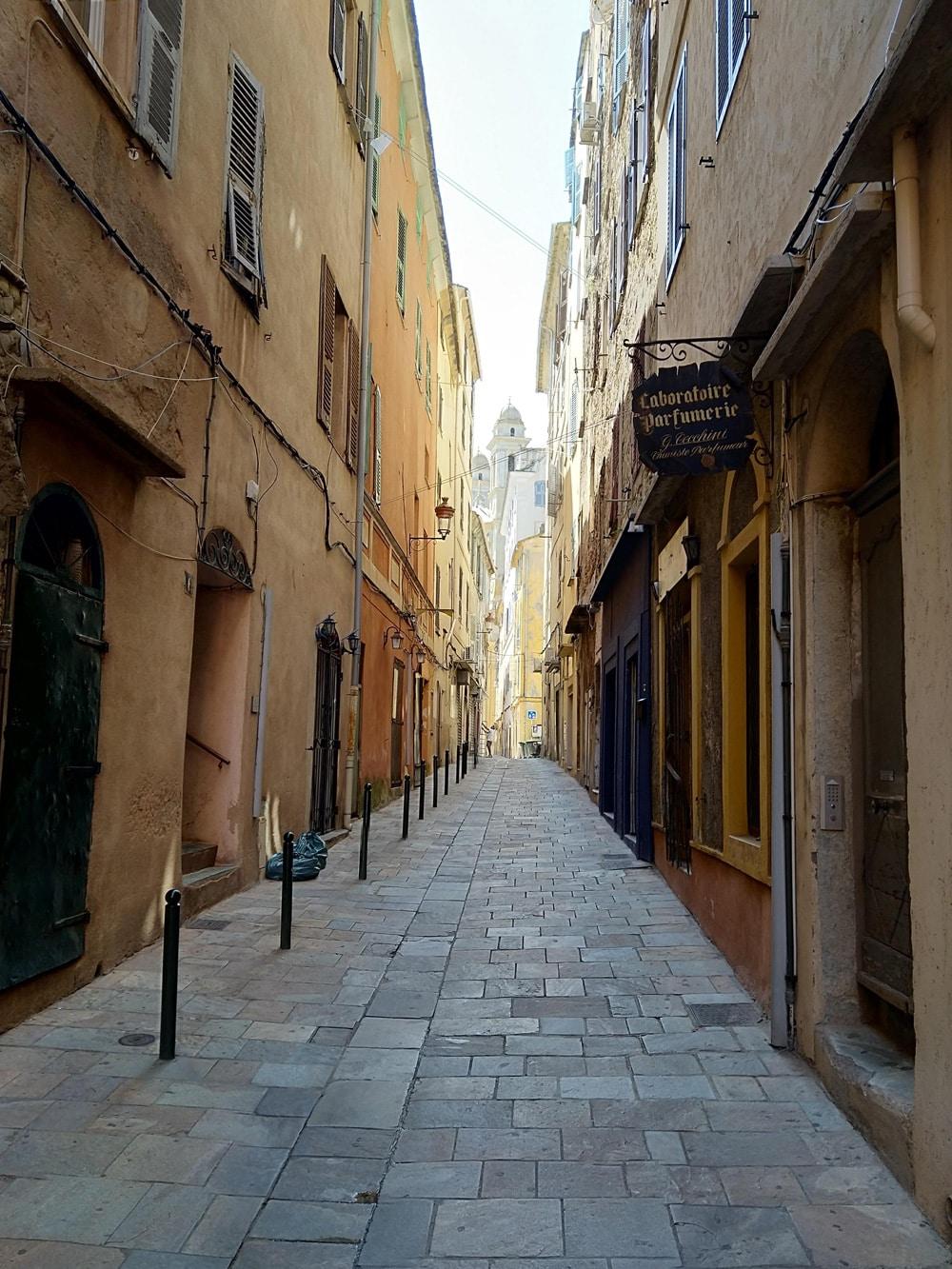 Sehenswürdigkeiten auf Korsika: In der Altstadt von Bastia