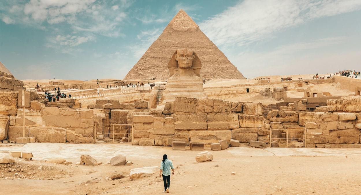 Eine der Pyramiden in Gizeh, Foto: Spencer Davis / Unsplash