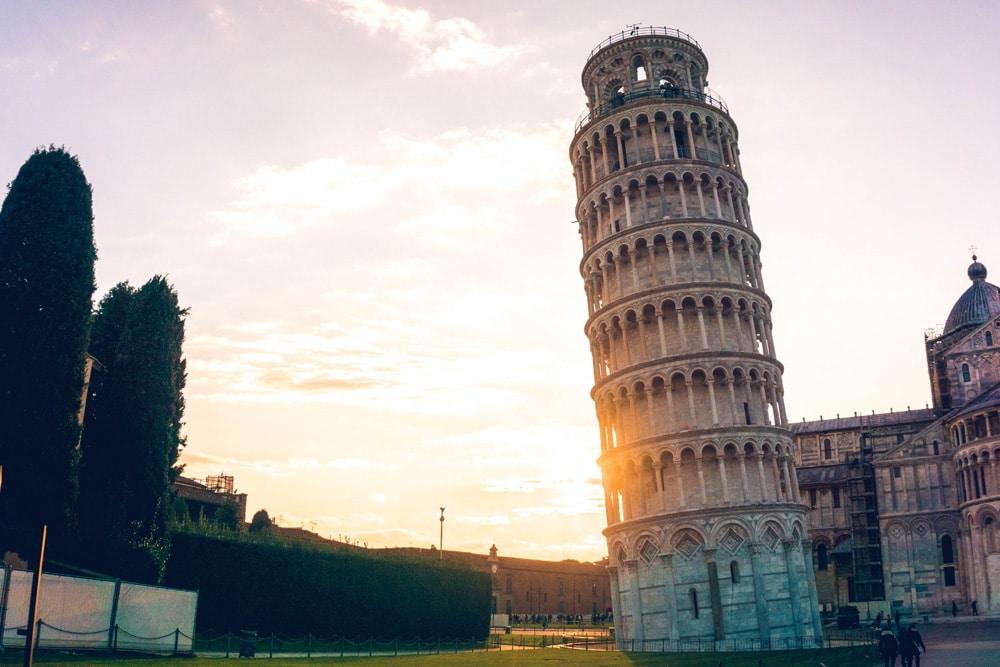 Das berühmste Wahrzeichen von Pisa - der schiefe Turm, Foto: Yeo Khee / Unsplash