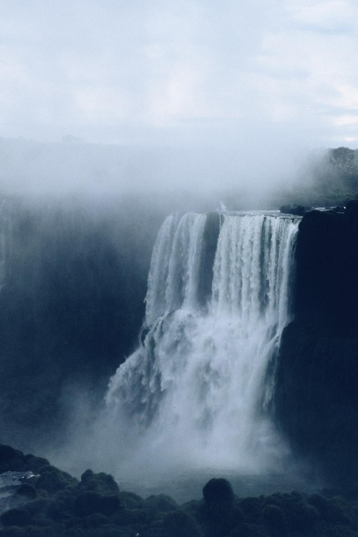 Die Iguazu Wasserfälle in Paraguay, Foto: Kyle Peyton / Unsplash