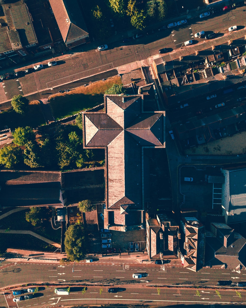 Mal eine andere Perspektive - St. Audoens von oben, Foto: Lucas Miguel / Unsplash