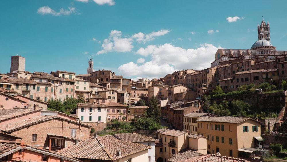 Panoramablick auf Siena, Foto: Alev Takil / Unsplash
