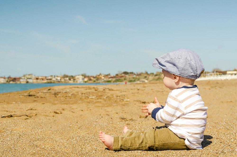 Achtet auf ausreichenden Schutz am Strand, Foto: Luke Michael / Unsplash