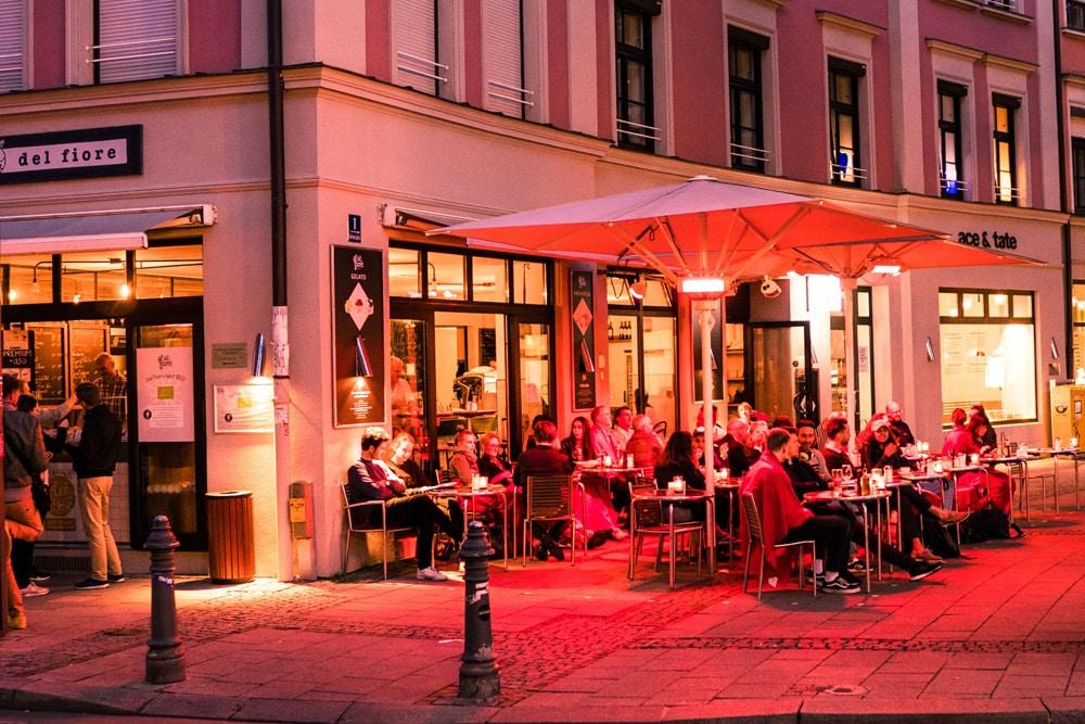 Abends in München, Foto: Marcel Heil / Unsplash