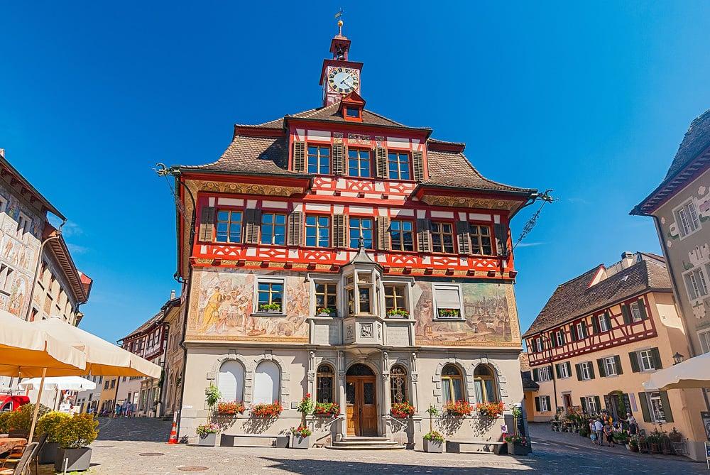 Das alte Rathaus von Stein am Rhein, Foto: mojolo / Adobe Stock