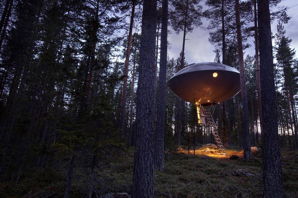 """Den Sternenhimmel drinnen und draußen genießen im """"UFO"""", Foto: Treehotel"""