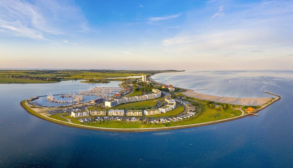 Hafenanlage im Süden von Fehmarn, Foto: Thomas / Adobe Stock