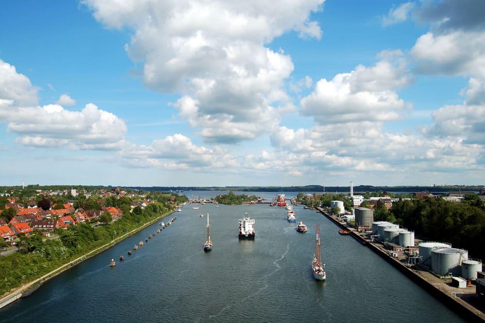 Nord-Ostsee-Kanal in Kiel-Holtenau, Foto: Peter Hansen / Adobe Stock