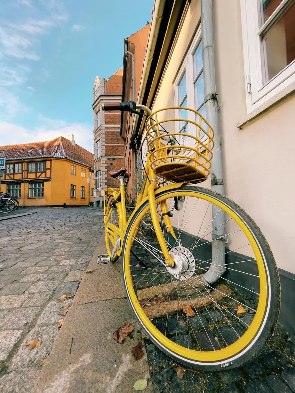 Straßenaufnahme von Odense, Foto: Édouard Bossé / Unsplash