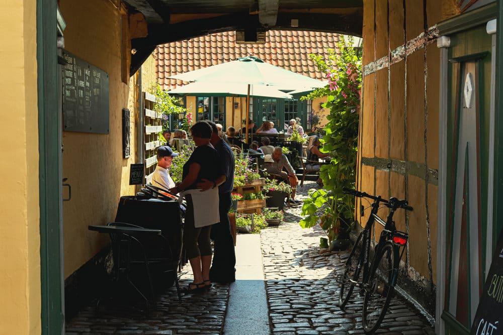 Gastronomie in Ribe, Foto: Irina Grotkjaer / Unsplash