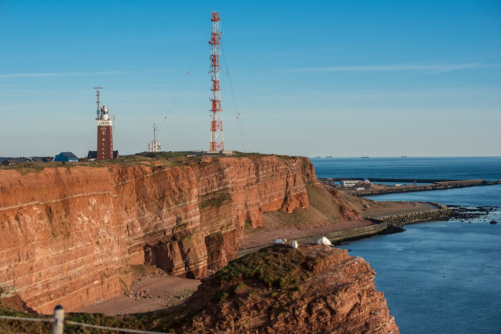 Vom Flakturm im 2. Weltkrieg zum Leuchtturm auf Helgoland, Foto: Bild von Wolfgang Vogt / Pixabay