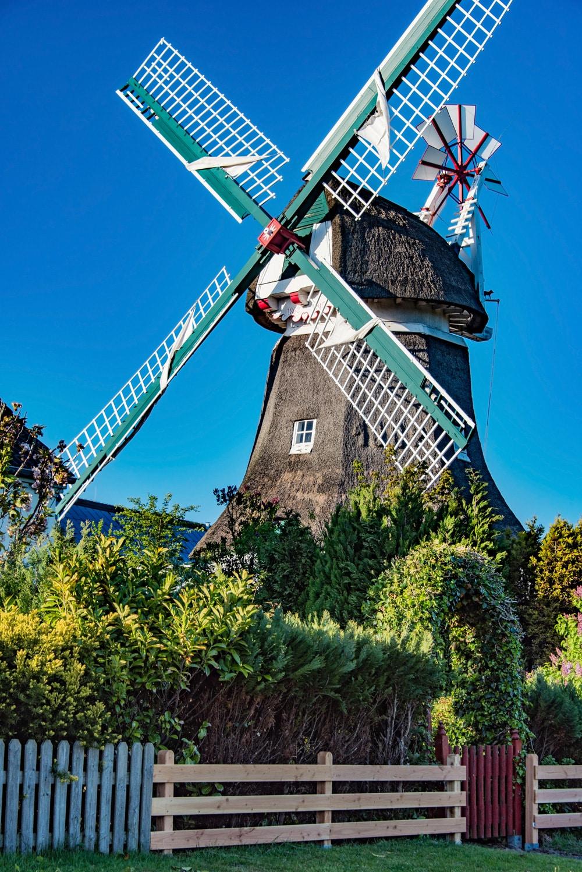 Die alte Windmühle auf Norderney, Foto: Marc Jedamus / Adobe Stock
