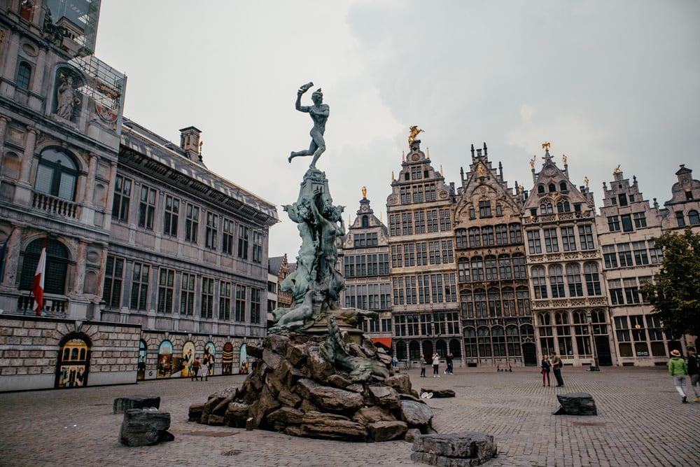 """Der """"Grote Markt"""" in Antwerpen, Foto: Ernest Ojeh / Unsplash"""