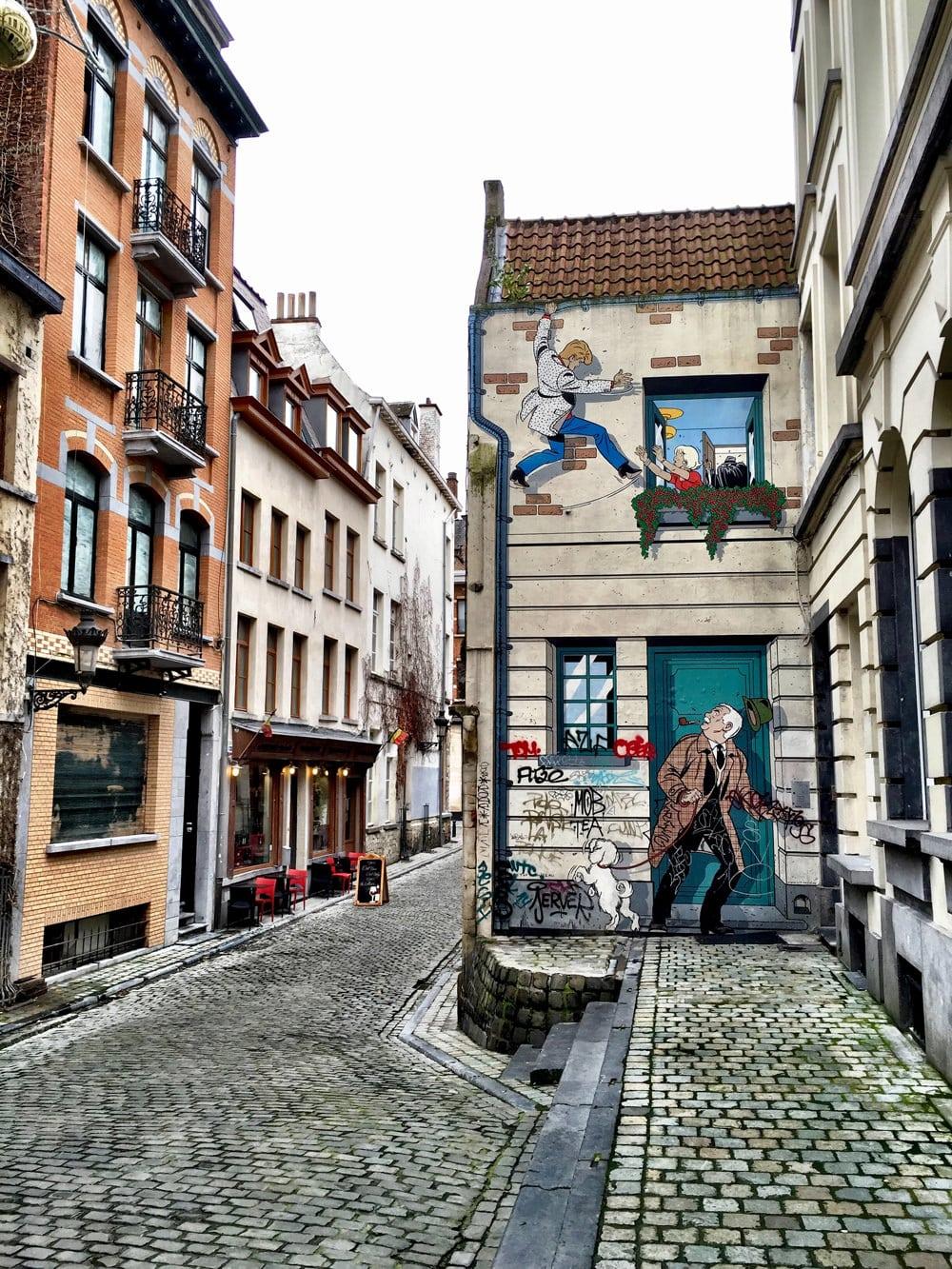 Auch außerhalb des Museums gibt es Comic-Kunst in Brüssel zu bestaunen. Foto: Adrián Santalla /  Unsplash