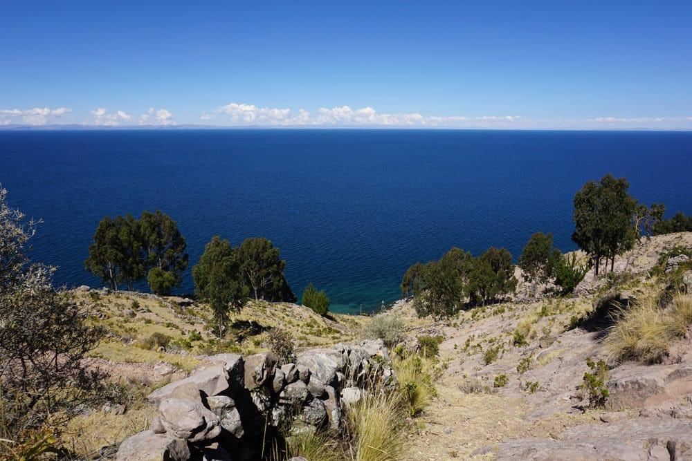 Ein Blick auf den Titicacasee, Foto: Miguel Angel Mamani M. / Unsplash