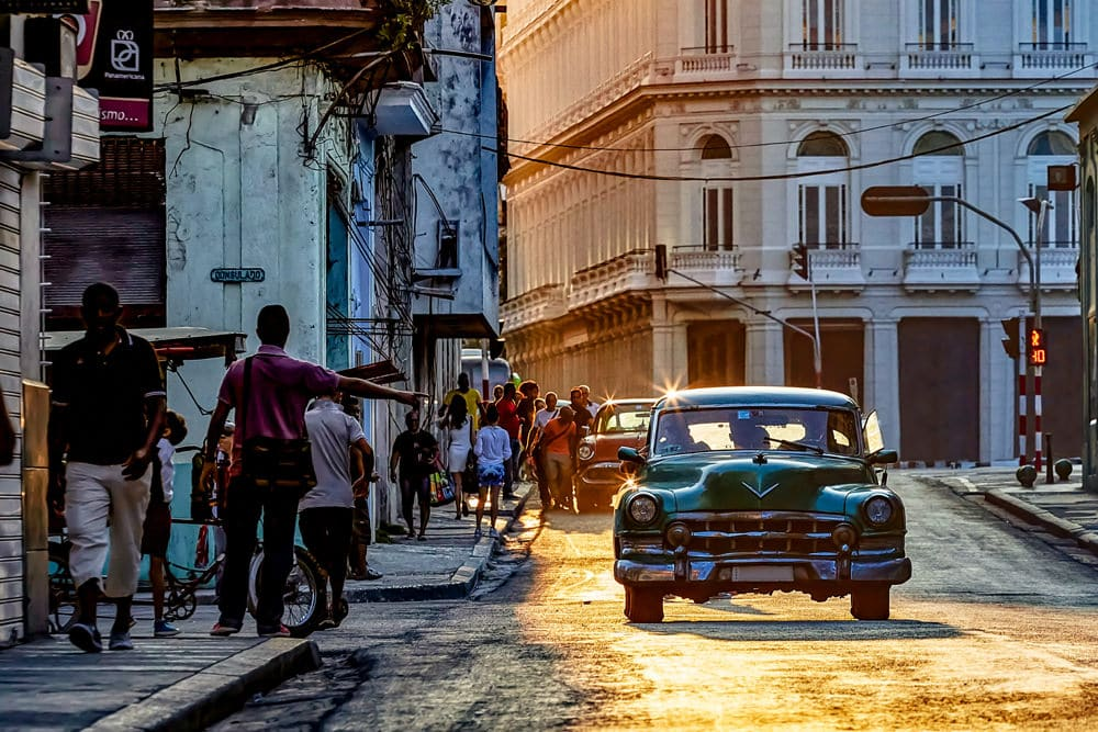 Oldtimer und Lebensfreude - das ist Havanna, Foto: Dorothea OLDANI/Unsplash