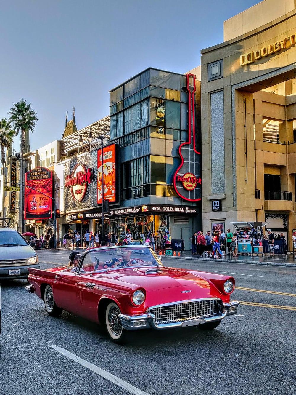 Unterhaltung nonstop gibt es in Hollywood, Foto: Benoit Debaix / Unsplash